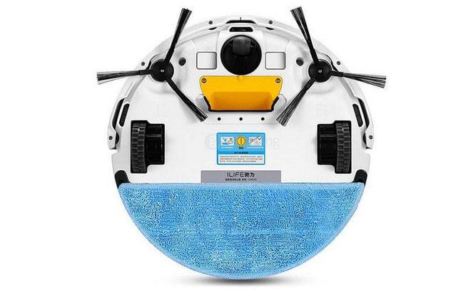 Робот с щетками