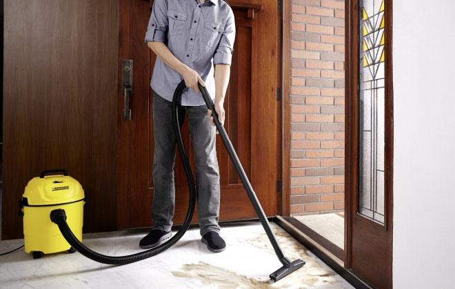 Karcher professional для сухой уборки в работе