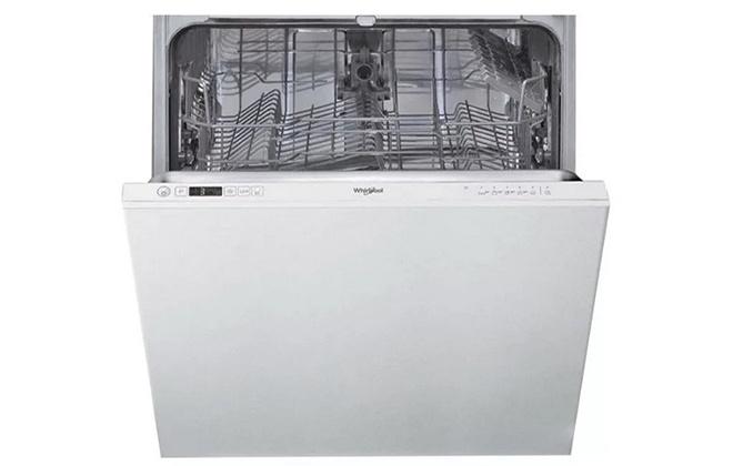 Посудомоечная машина Whirlpool WIC 3B-26 с открытой дверцей
