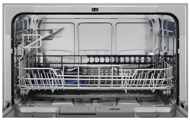 Посудомоечная машинка с подставками внутри