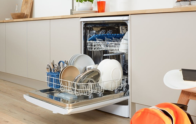 Посудомойка Indesit в гарнитуре