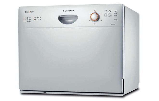 Серебристая посудомоечная машина Electrolux