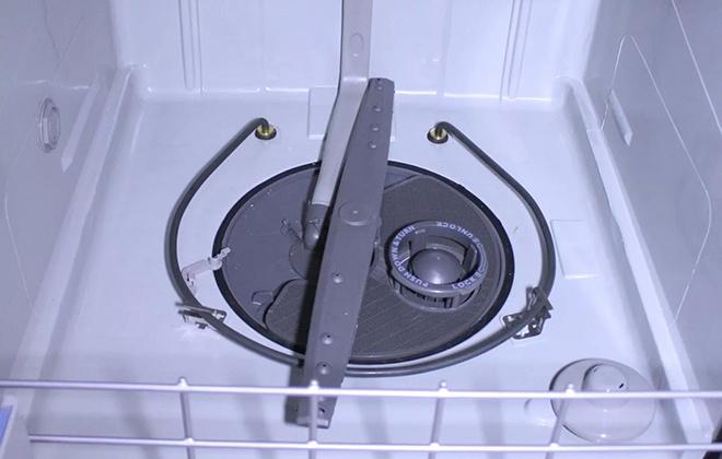 В посудомойке нет воды