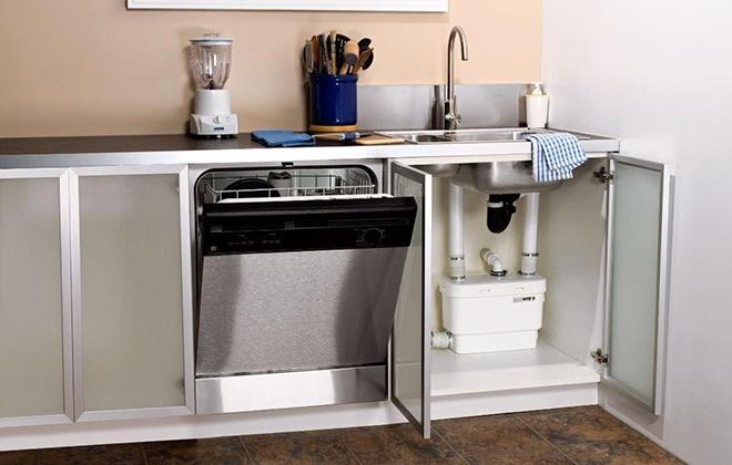 Встроенная большая посудомоечная машина