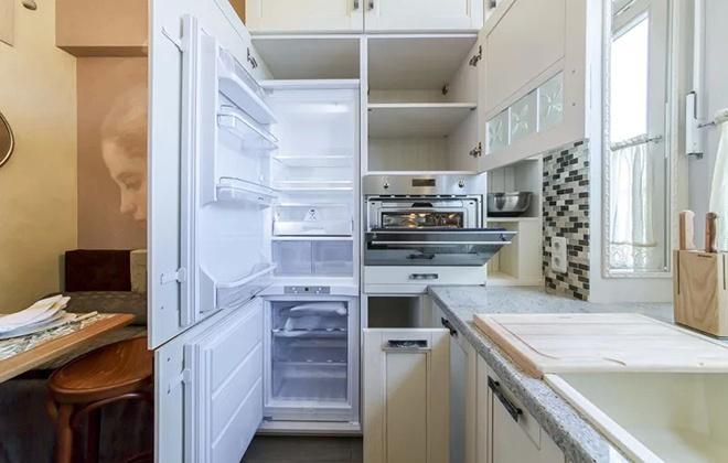 Перестенок между холодильником и духовкой