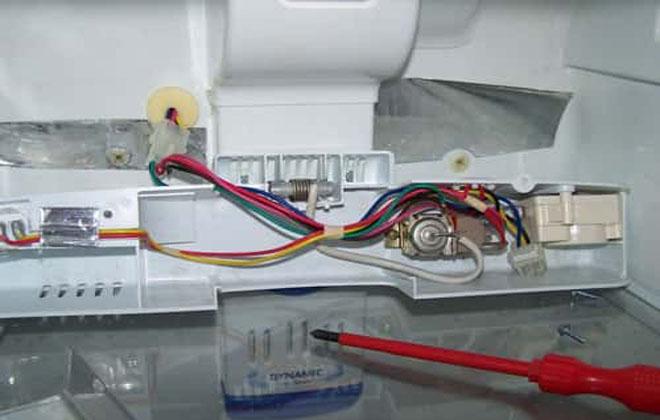 Простукивание тока на холодильнике