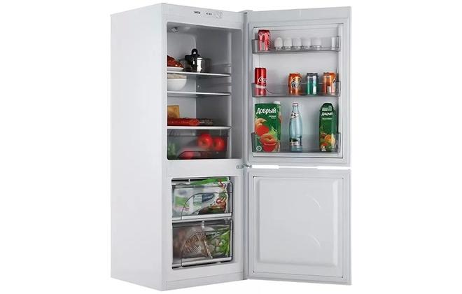 Холодильник Атлант 4208-000 с продуктами