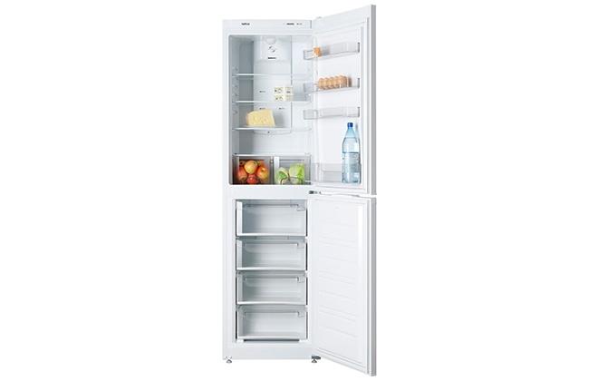 Холодильник Atlant ХМ 4425-009 ND с продуктами