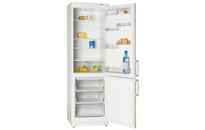 Холодильник Атлант XM 4024-000 внутри