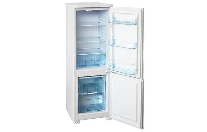 Холодильник Бирюса 118 с открытыми дверцами