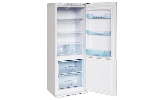 Холодильник Бирюса 134 с открытыми дверцами