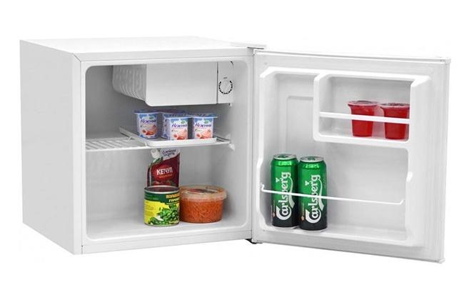 Холодильник Бирюса 50 с продуктами