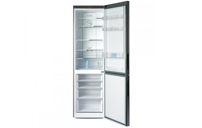 Холодильник Haier C2F636CFRG с открытыми дверцами