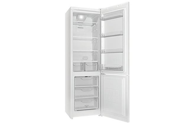Холодильник Indesit ITF 120 W внутри