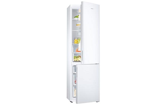 Холодильник Samsung RB37J5000WW с приоткрытыми дверцами