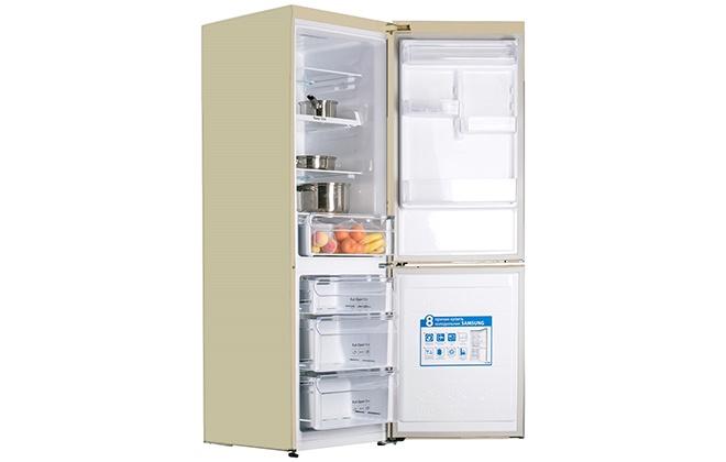 Вид холодильника Samsung сбоку