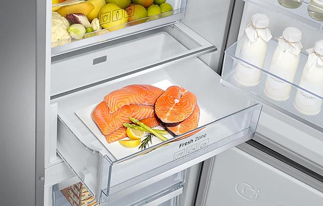 Ящик с продуктами в холодильнике Samsung RB41J7811SA