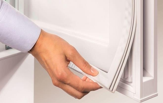Плохой уплотнитель в дверце холодильника