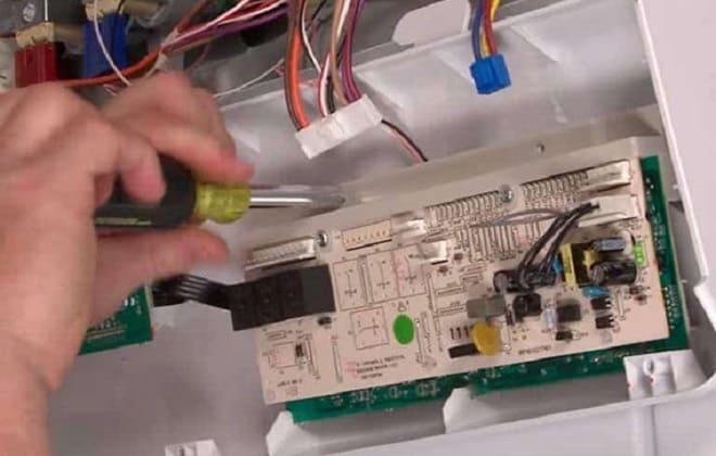 Попадание влаги в модуль стиралки