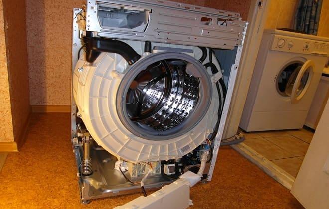 Разобранная стиральная машина