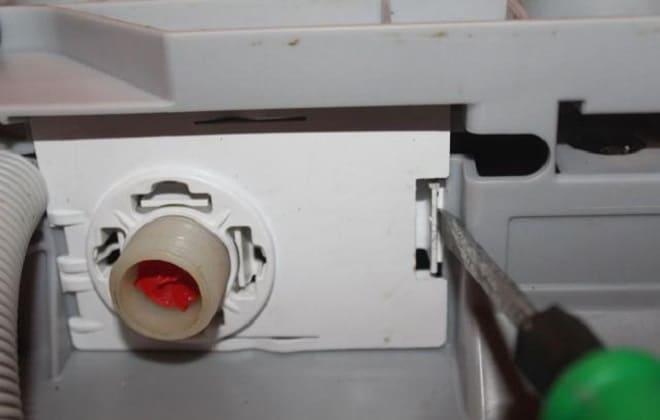 Неисправный клапан в стиралке