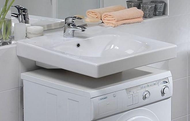 Установка раковины над стиралкой в ванной